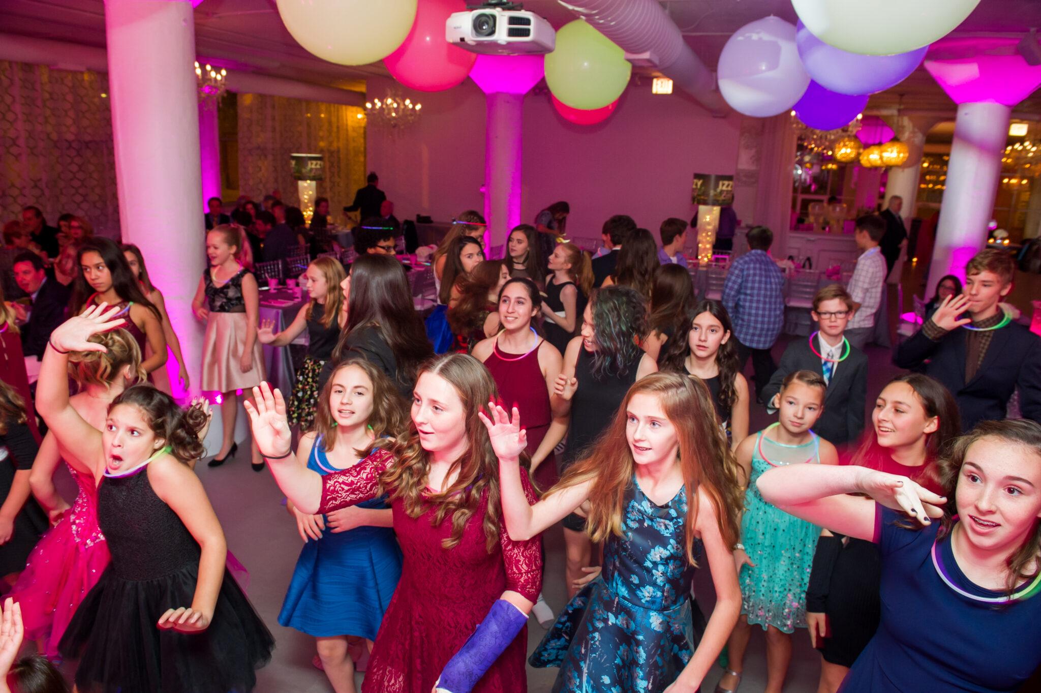 Party Fun 366